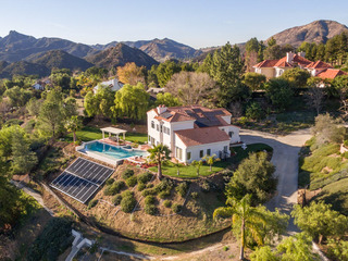 Spacious 4BR w/ Infinity Pool, Near Malibu Beaches