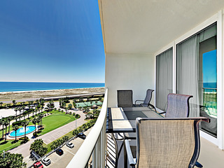 12th-Floor 3BR Condo with Gulf Views
