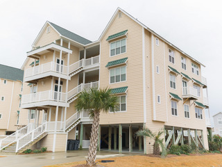 All-Suite 4BR Condo w/ Pool- Walk to Beach