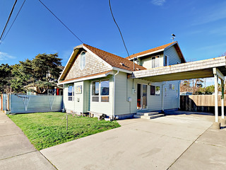 931 SW 50th St Home at Lincoln City