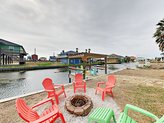 Turtle Beach: Fun 3BR w/ Tiki Bar