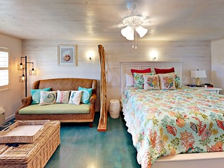 115 Sea Breeze- Salty Sea Suite