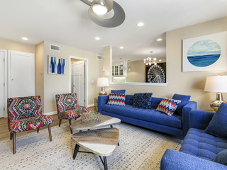 Luxe 3BR Condo w/ Pool & Patio, Walk to Disneyland