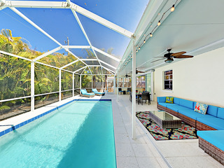 Indoor/Outdoor Living- 3BR w/ Screened Pool