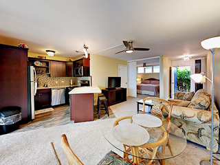 3823 Lower Honoa'apilani Road Condo Unit 111