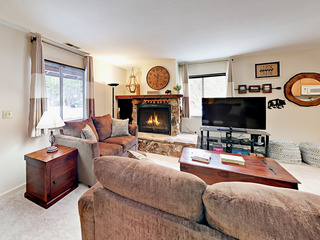 3BR Near Skiing w/ Fireplace & Deck