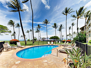 Waipuilani Park 2BR w/ Pool- Walk to Beach, Shops