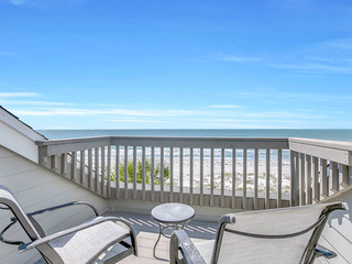 Gulf-Front 2BR w/ Private Beach Access