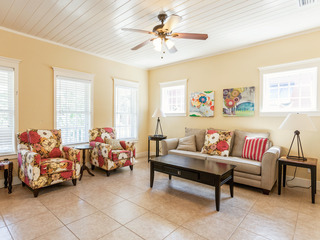2BR w/ Heated Pool, Steps to Beach