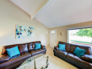 3BR/2.5BA Condo> Mount. Shadows Gated Comm SouthEast Palm Spring