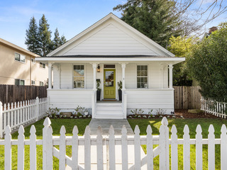 3BR Cottage w/ Fenced Yard, Walk to Oxbow Market