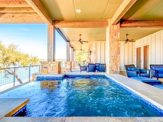 Regal 3BR/5BA Lake Travis Villa w/ Infinity Pool
