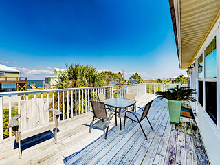 3BR Pet Friendly Cottage on Mobile Bay w/ Beach