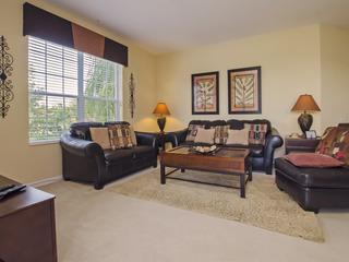 Vista Cay 3208C Luxury Lake view 3 bedroom condo