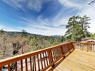 3BR Mountain Getaway w/ Lake Views