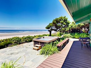 4960 SW Surfpines Ln Home