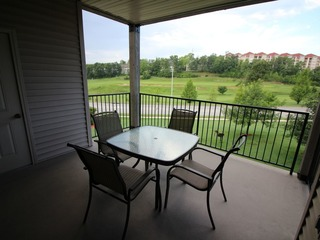 Thousand Hills | Walk-in | Free WiFi | Golf Views #863415