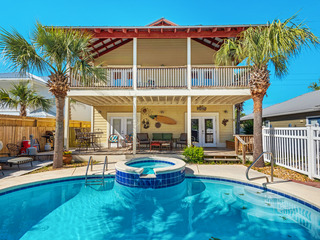 Crystal Beach 5BR w/ Heated Pool, Spa & Game Room
