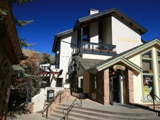 2-Bed with Loft 3-Bath In The Center Of Vail Village
