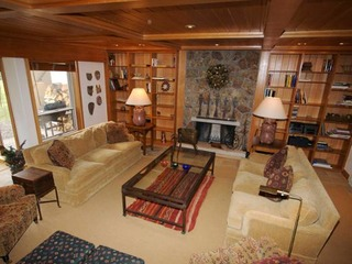 4-Bedroom 4-Bath ski-in/ski-out Condo in Vail