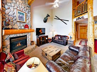 416 Kings Crown Rd Home