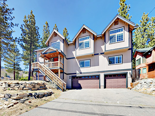 913 Lake Tahoe Blvd Home