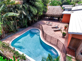 3BR w/ Private Pool, Tiki Hut
