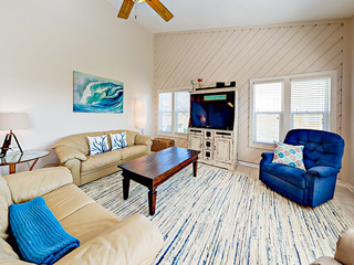 Remodeled 3BR Beachside Condo