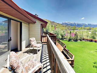 5BR w/ Fireplace & Deck- By Skiing