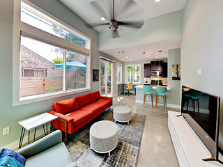 Walk to Lady Bird Lake! Sleek & Modern East Austin 2BR