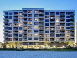 Windemere 702- Oceanfront- Ocean Drive Section