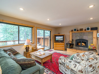 4BR by Donner Lake w/ Private Hot Tub