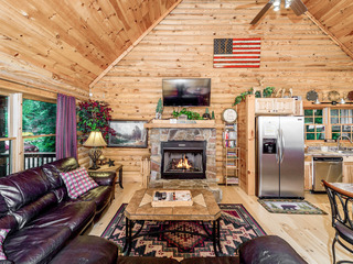 Riverside Cabin Retreat! 3BR Log Home on 1 Acre w/ Hot Tub