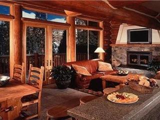Mountain Lodge- 4 Bedroom Luxury Cabin