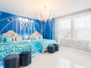 EC144- 7 Bedroom Modern Pool Home