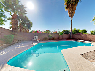 4BR w/ Heated Pool, near Desert Ridge