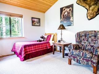 Sleepy Bear House (4-Bedroom Home)