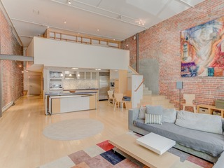Spacious Luxury Historic Loft in Downtown SF