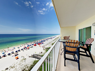 Beachfront 2BR w/ Pool, Spa & Sauna