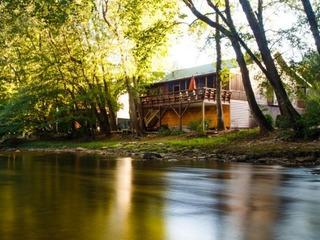 Cross Haus (3 Bedroom cabin)