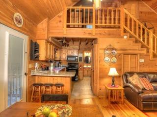 Ramblewood (2 Bedroom cabin)