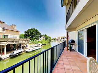 Lakefront 3BR w/ Dock & Boat Lift