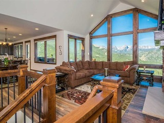 Aerie Luxury Vacation Home at Windcliff