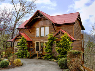 Appalachian Lodge- 4 Bedrooms, 4 Baths, Sleeps 14