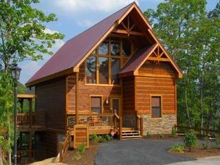 A Suite Mountain Escape- 3 Bedrooms, 2 Baths, Sleeps 8