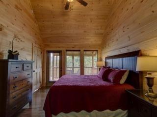 Eagle's Nest- 3 Bedrooms, 3.5 Baths, Sleeps 10