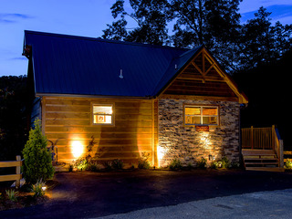 Grin Inn Bear It- 2 Bedrooms, 2 Baths, Sleeps 6