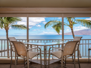 Oceanfront 3BR w/ Private Beach & AC