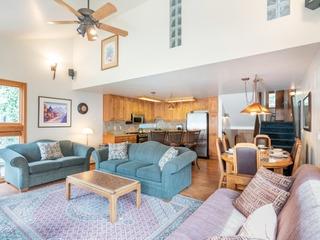 Beautiful 2 Bedroom plus Loft Condo in Telluride, CO