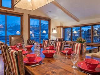 High End and Spacious Peaks Penthouse in Mountain Village - image